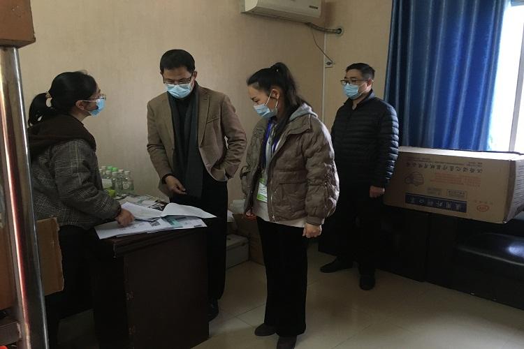 简讯:南宁市教育系统校园疫情防控指导第七小组领导莅临我校督查指导工作(图文)